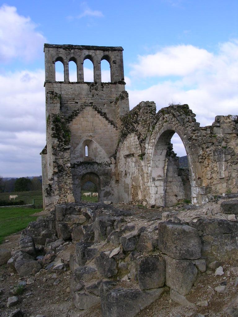 Ruines eglise vieux bourg
